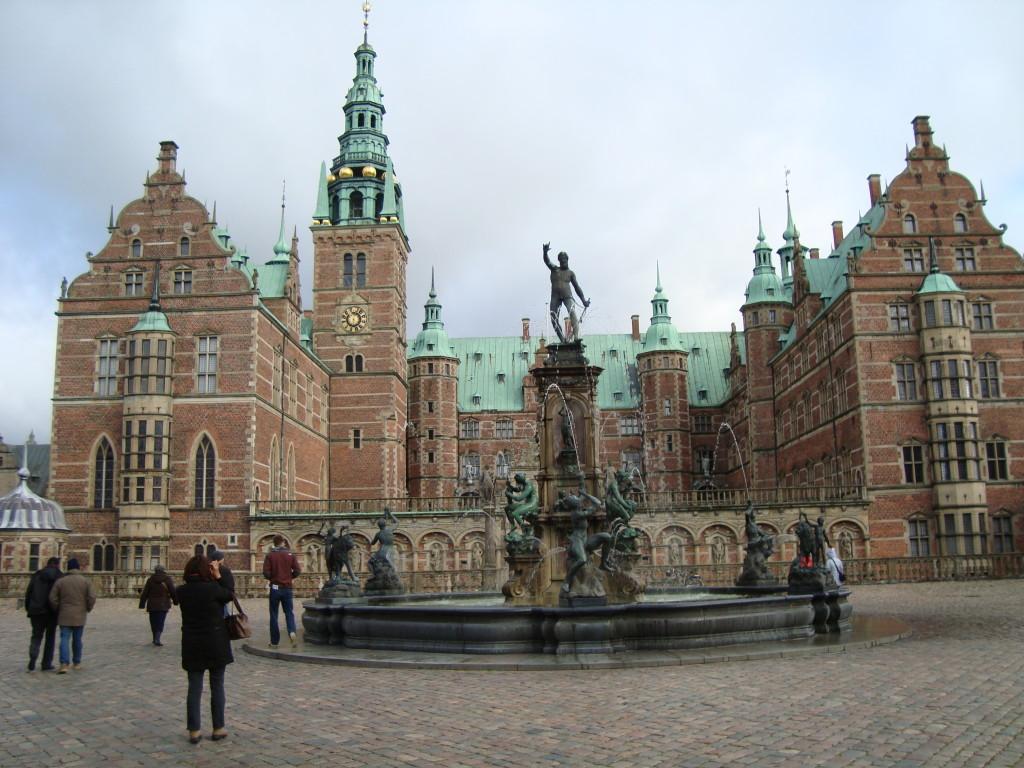 Замъкът Фредериксборг - главен вход