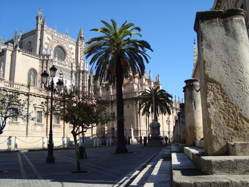 страничен изглед отвън - Севилската катедрала