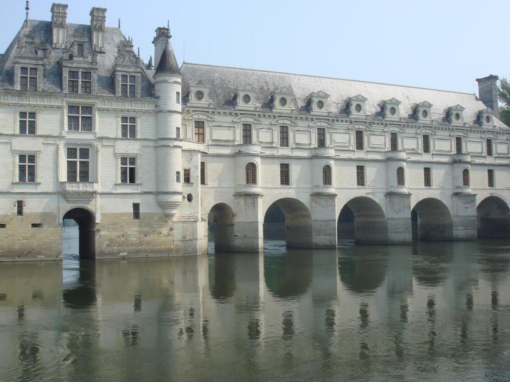 Замъкът Шенонсо