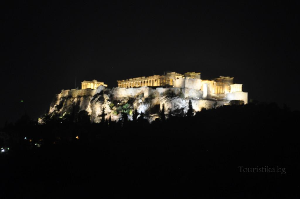 Акрополът вечер