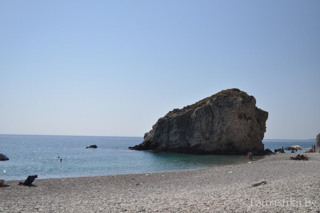 Плажът Калади