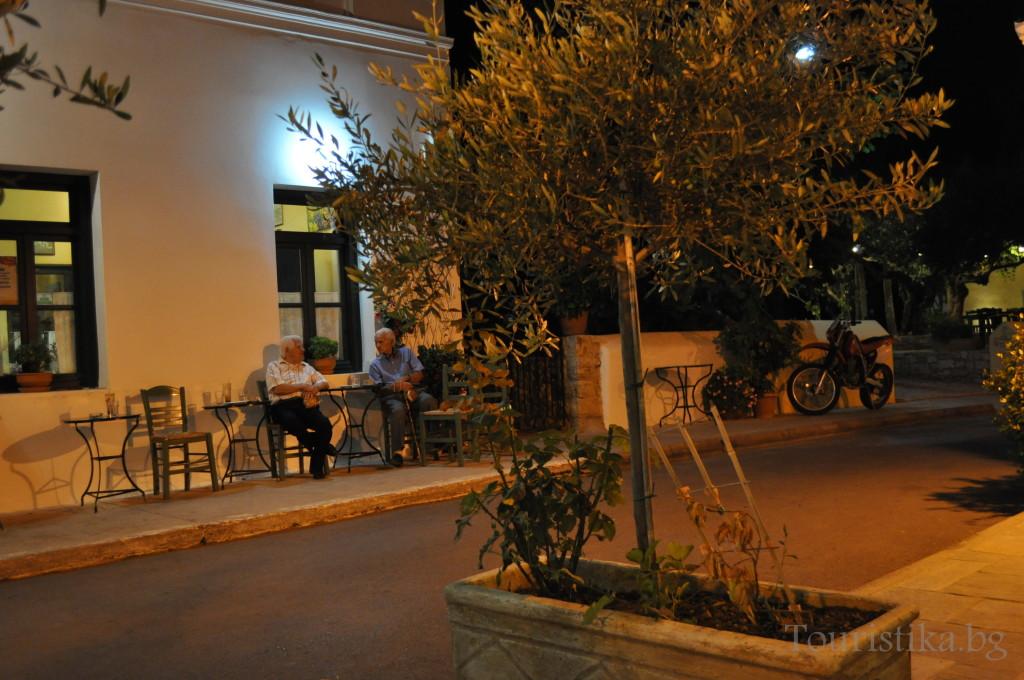 Чудните вечери в Милопотамос, таверната до църквата