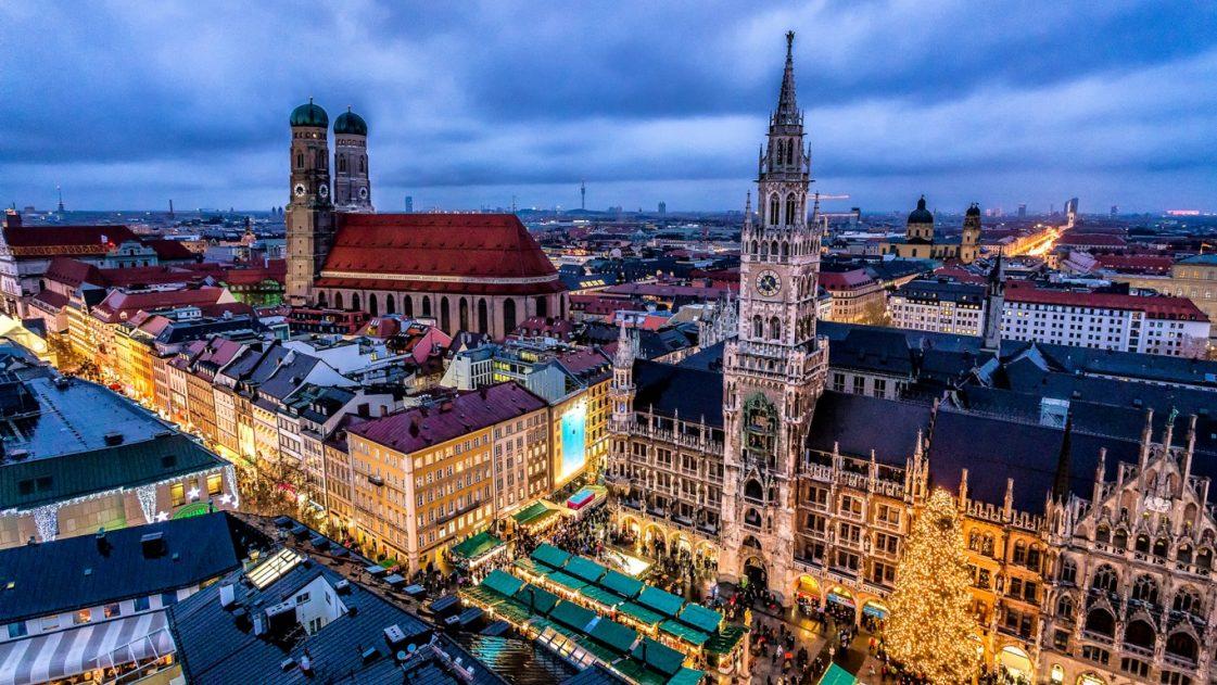 1. Коледа в Мюнхен, Германия /виж още за града/